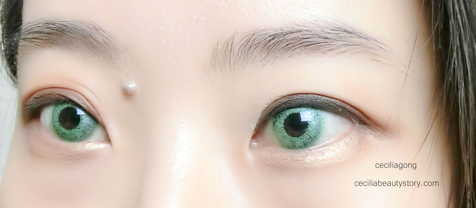 Glimmer Green Contact Lenses